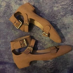 See By Chloe Shoes - ❌❌SOLD❌❌See by Chloe triple strap sandal